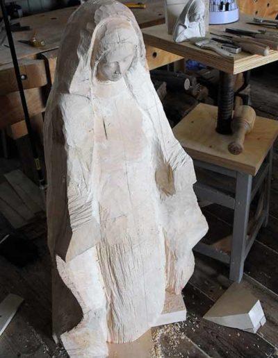 Diverses-etapes-de-la-sculpture-de-la-Vierge-(3)