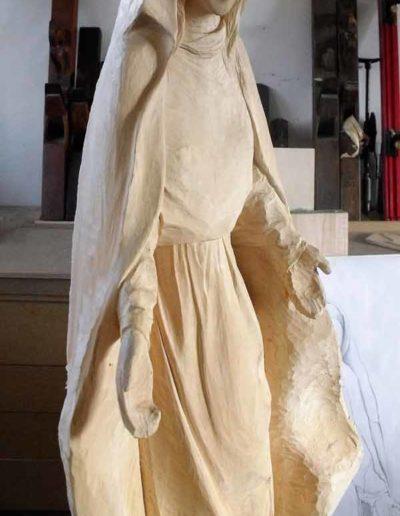 Diverses-etapes-de-la-sculpture-de-la-Vierge-(5)