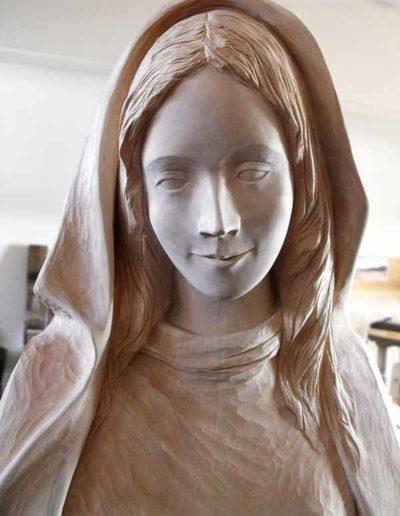 Diverses-etapes-de-la-sculpture-de-la-Vierge-(7)